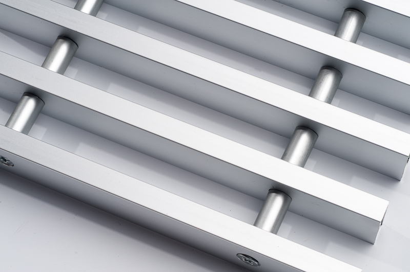 aluminium rost hell rostzentrale. Black Bedroom Furniture Sets. Home Design Ideas